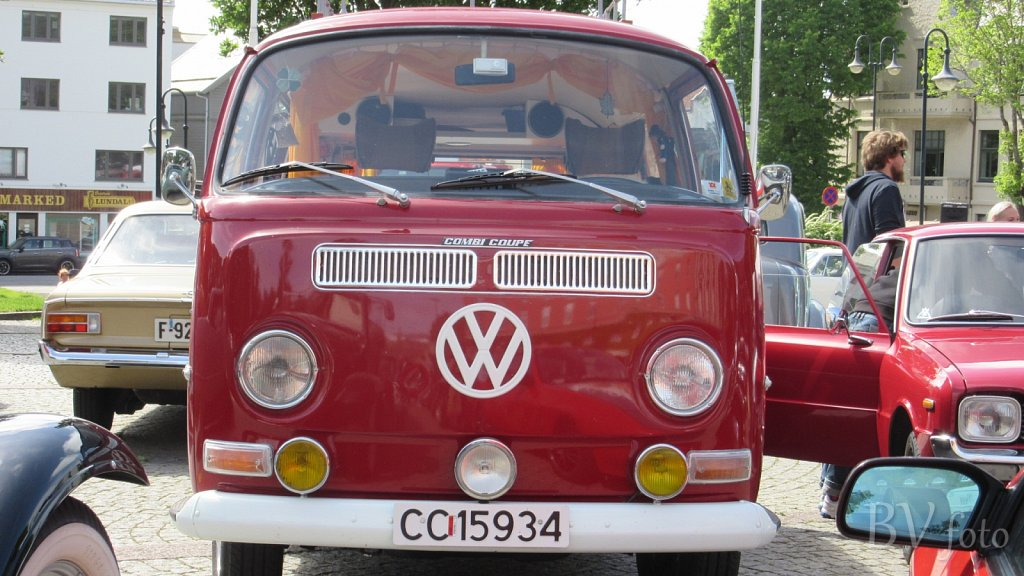 VW Kombi (low res.16:9)