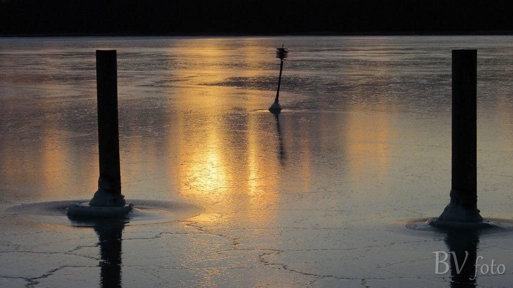 Lav sol over havisen