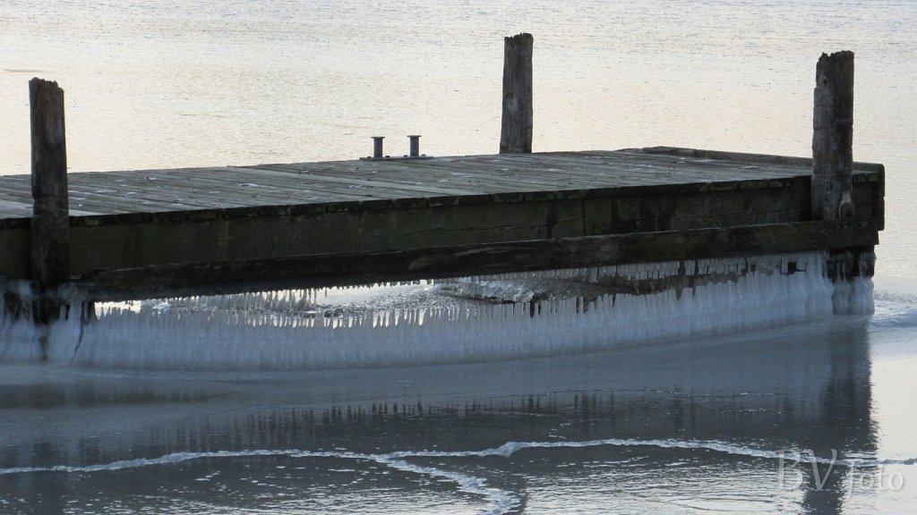Isvinter og tilfrosset havn