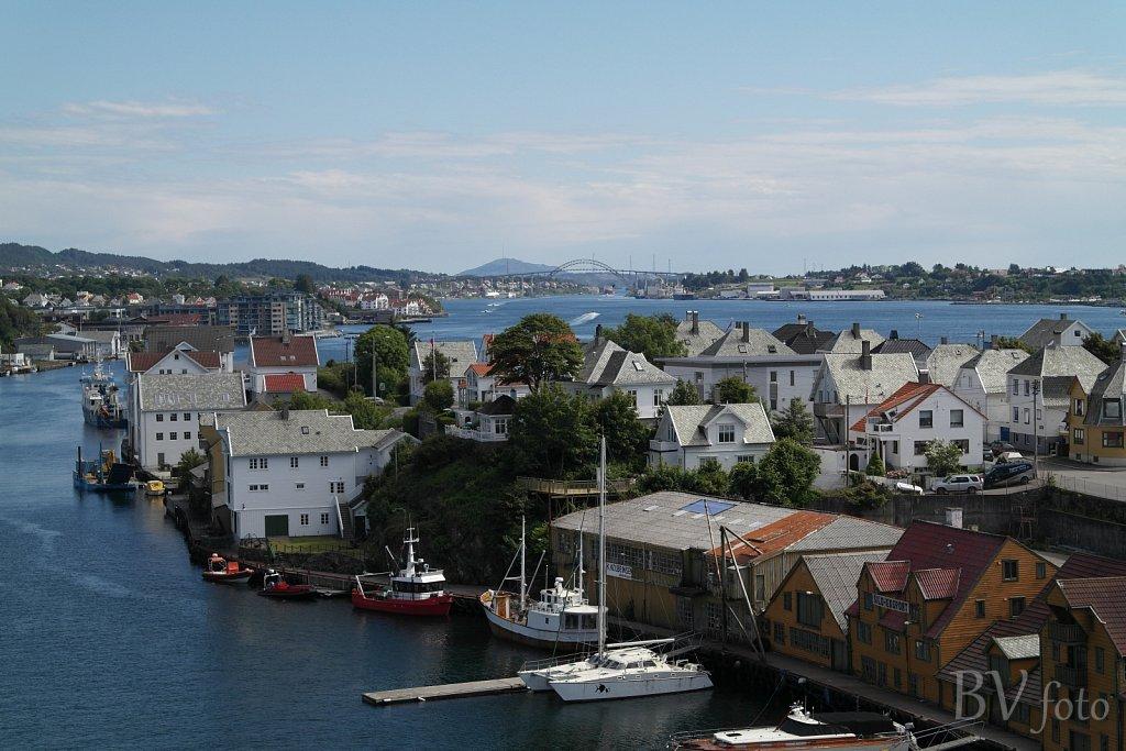 Risøy, Strandlinjen