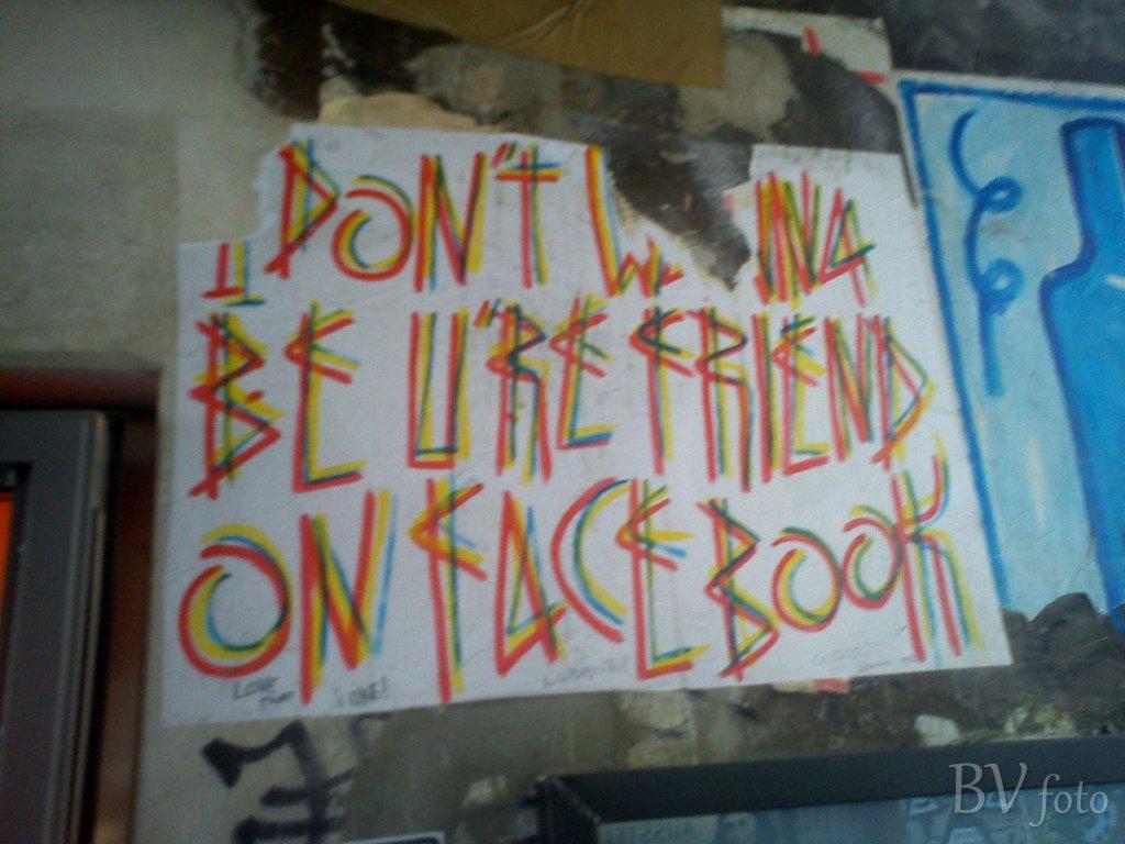 No Friend On Facebook, Berlin