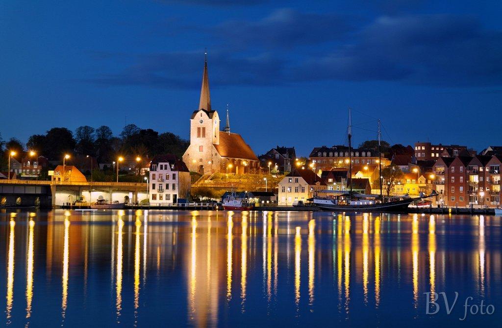 Marie Kirken by night