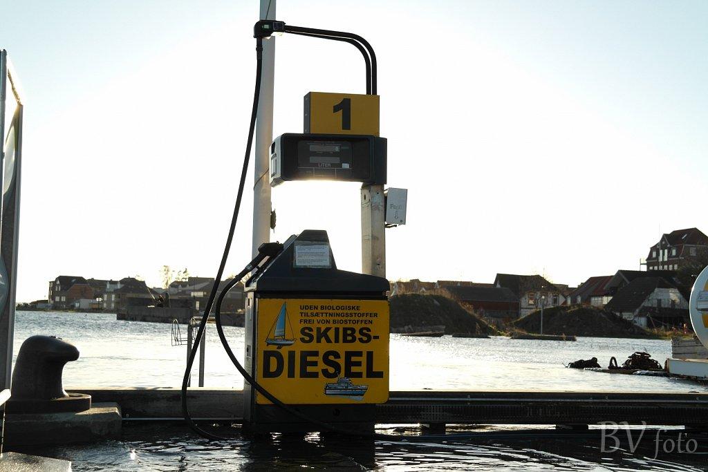 Skibs-diesel stander
